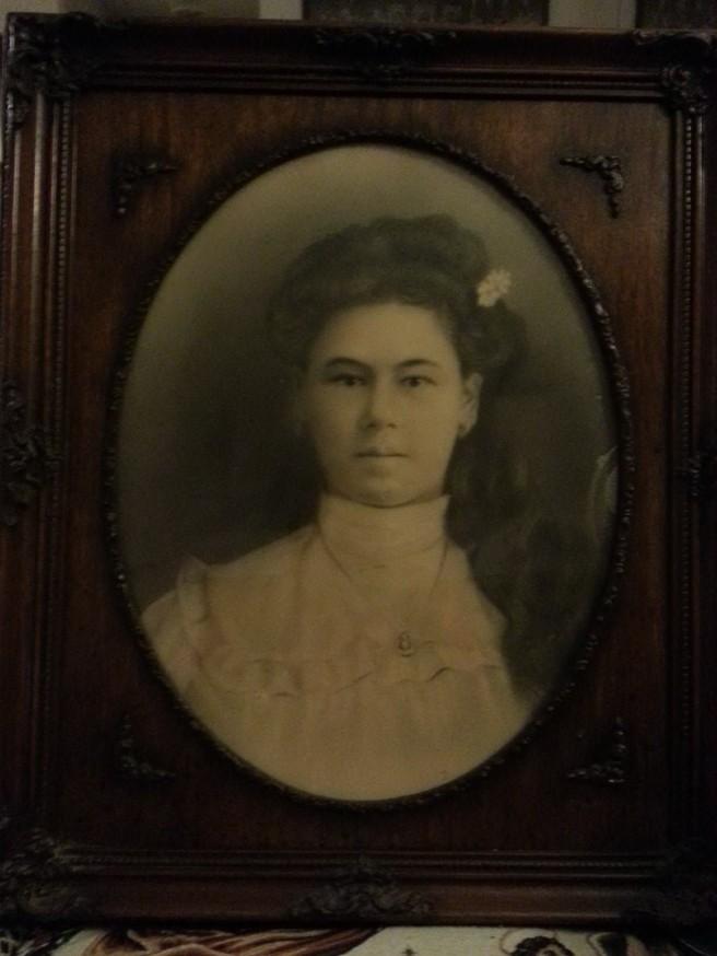 Hermila Fernandez original portrait in frame